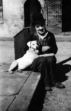 Chaplin - A Dog's Life (1918)
