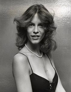 Jamie Lee Curtis is 1 of my favorite actresses.she I look up to.beauty,talent,n smarts. Jamie Lee Curtis Young, Tony Curtis, Janet Leigh, American Actress, Comedians, Movie Stars, Actors & Actresses, Celebs, Female Celebrities