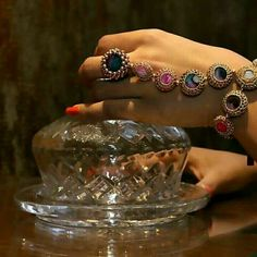 Vaidaan presents a ' Flight of Fancy'. The glazed, hand-crafted and multi-coloured hand-harness which is a superb fusion of classic and contemporary style.   DM for enquiries.   #shopping #accessories #jewellery #handmade #handharness #bracelet #rings #shoppingonline #shoppingday  #shoppingaddict #weddingrings #jewellerydesign  #jewellerydesigner #accessoriesoftheday  #jewelleryaddict #jewellerylover  #jewellerymaking #ringside  #ringsling  #jewelleryoftheday #accessorieslovers  #holiday
