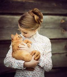 Девочка с котом. Детская фотосессия. Фотограф Лена Дорри.