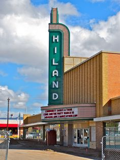 Hiland Theatre - Albuquerque, New Mexico ~ opened closed 1995 New Mexico Style, New Mexico Homes, New Mexico Usa, Alaska Travel, Alaska Cruise, Duke City, New Mexico History, Cool Neon Signs, Alamo Drafthouse