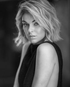 """Serinda Swan (""""Graceland"""") sheds some light on how to interact with an ensemble, her thoughts on the resurgence of the small screen, and why biting your tongue is sometimes not a good idea. Beautiful Eyes, Beautiful Women, Serinda Swan, Celebs, Celebrities, True Beauty, Cute Hairstyles, Hair Inspo, Portrait Photography"""