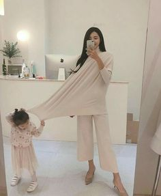 66 Trendy ideas for asian children fashion daughters Cute Asian Babies, Korean Babies, Asian Kids, Cute Babies, Couple With Baby, Mom And Baby, Baby Kids, Ulzzang Kids, Ulzzang Korean Girl
