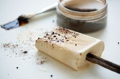 Icecream with liquorice - recipe in danish  Opskrift på lakrids is