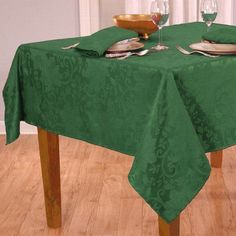 Poinsettia Damask Green Tablecloth 60 x 102 Hunter New Holiday at Home #HolidayatHome