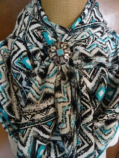 Wild Rags & Scarves By Doris Cowgirl Outfits, Western Outfits, Western Wear, Cowgirl Chic, Cowgirl Style, Cute Country Outfits, Cute Outfits, Native American Fashion, How To Wear Scarves