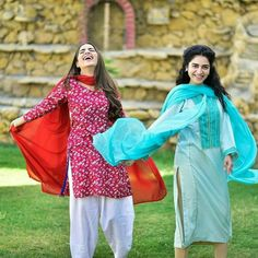 Sisters Goals, Ayeza Khan, Aiman Khan, Pakistani Actress, Celebs, Celebrities, Sari, Photoshoot, Actresses