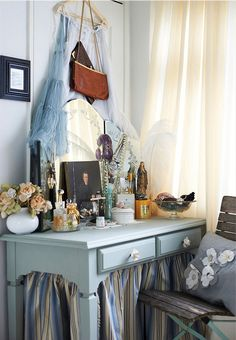 french eclectic home, like the table skirt.  Would this work with the fish tank table?