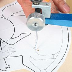 scroll saw projects free pattern Woodworking Patterns, Woodworking Crafts, Woodworking Plans, Scroll Saw Patterns Free, Scroll Pattern, Free Pattern, Best Scroll Saw, Dremel Projects, Wood Carving Patterns