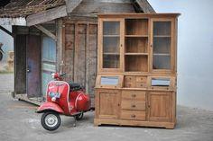 Teak Schrank mit runder Klappe 160cm Teak Outdoor Furniture, Wood Furniture, Furniture Design, Wood Cabinet Doors, Wood Cabinets, Selling Furniture, Quality Furniture, Mid Century Modern Furniture, Midcentury Modern