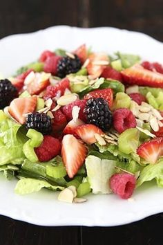 Summer Salad With Lemon Dressing recipe with 470 calories. Lemon Dressing Recipes, Salad Recipes, Healthy Recipes, Food Names, Recipe Instructions, Sliced Almonds, 500 Calories, Fresh Lemon Juice, Rotisserie Chicken
