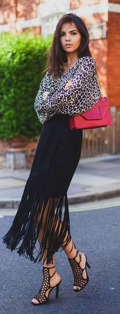 Chic In The City 2 - Fringe skirt