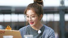 Redvelvet  Irene Red Velvet アイリーン, Red Velvet Irene, Seulgi, Girl In Rain, Yoona Snsd, Cute Girl Wallpaper, Ulzzang Couple, Just Beauty, Aesthetic Indie