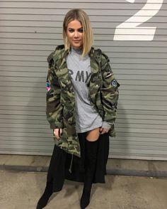 Peinados y looks de Khloé Kardashian que te harán ver guapísima