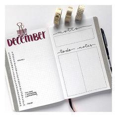{Anzeige} Hast du eigentlich schon mein Christmas Set-Up für Dezember in meinem Bullet Journal gesehen? Was das ganze mit dem neuen Bullet Journal Set von @pilot_pen_deutschland zu tun hat, erfährst du auf dem Blog www.michilicious.com! #bulletjournal #inspiration #setup #monthly #bujolover #bujolove #bulletjournaladdict #bujo #diy #pilotpen #pilotbulletjournal Bullet Journal 2020, Daily Journal, Bullet Journal Layout, Journal Prompts, Bullet Journal Inspiration, Bullet Art, Notebook Design, Bullet Journel, Tombow