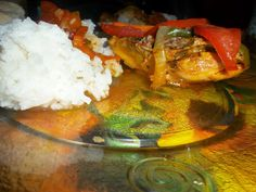 """Las personas que cocinan son felices"": Pollo con verduras"
