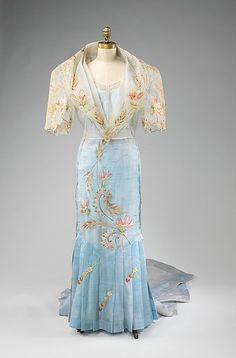 Baro't Saya The Philippines, 1920-1940 The Metropolitan... - OMG that dress!