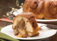 Apple Maple Breakfast Bundt made with Johnsonville Vermont Maple Syrup Breakfast Sausage Links, apple pie filling, maple syrup & refrigerated cinnamon rolls, which make it so easy! A buffet / brunch hit!