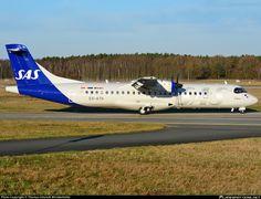 Atr 42, Plane Photos, Print Ads, Vintage Posters, Scandinavian, Aircraft, Abs, Aeroplanes, Gliders