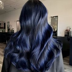 That shine tho Midnight Blue On previous lightened hair by adding more depth and longevity I chose to 1 Pretone guytang mydentity Black Blue Ombre Hair, Denim Blue Hair, Hair Color For Black Hair, Ombre Hair Color, Dark Hair, Black Hair With Blue, Hair Color Dark Blue, Cool Tone Hair Colors, Cool Tones
