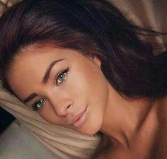 Natural bronze no-makeup makeup look