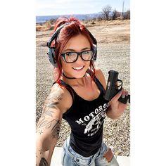 Tribal Tattoos, Tattoos Skull, Mom Tattoos, N Girls, Inked Girls, Gi Joe, Badass Women, Sexy Women, Women Shooting Guns