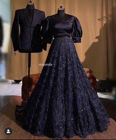 Book ur dress now. Indian Wedding Gowns, Indian Bridal Outfits, Indian Bridal Fashion, Pakistani Bridal Wear, Indian Fashion Dresses, Bridal Dresses, Wedding Outfits, Bridal Lehenga, Wedding Wear