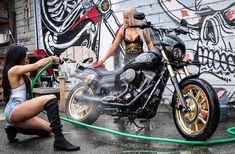Lords of Gastown - Harley FXR Club Style 1991 - Motorrad Harley Davidson Photos, Harley Davidson Dyna, Biker Party, Old School Chopper, Stunt Bike, Biker Chic, Hot Bikes, Club Style, Biker Girl