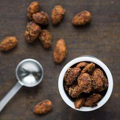 {recipe} pumpkin spice glazed almonds…easy 4 ingredient recipe {gluten free, paleo, vegan}