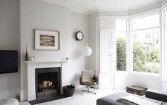 Victorian terrace house design - House and home design White Painted Floors, Painted Floorboards, White Floorboards, Painted Wood, White Flooring, Victorian Terrace House, Victorian Homes, Lounge Design, Style At Home