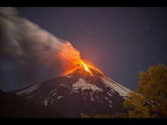 El volcán villarrica en Chile, entra en erupción, esta madrugada siendo las 3:00 AM del 2 de marzo de 2015.