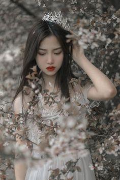 Princess Aesthetic, Aesthetic Girl, Fantasy Photography, Girl Photography, Moda China, Cute Korean Girl, Uzzlang Girl, Beautiful Asian Girls, Girl Photos