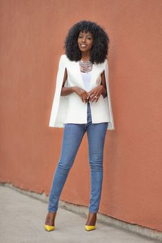 Cape Blazer x High Waist Jeans Blazer Outfits, Casual Outfits, Cute Outfits, Fashion Outfits, Daily Fashion, Love Fashion, Fashion Looks, White Cape Blazer, Fitted Denim Shirt