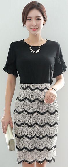 StyleOnme_Two Color Scallop Lace Pencil Skirt #black #white #lace #feminine #koreanfashion #kstyle #kfashion #seoul #summerlook