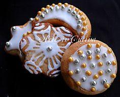Biscotti natalizi decorati con frolla alle mandorle