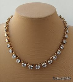 Head to the webpage to learn more about bridal jewelry ideas pakistani Check the webpage to read White Necklace, Diamond Pendant Necklace, Diamond Jewelry, Diamond Necklaces, Cluster Earrings, Dainty Jewelry, Handmade Jewellery, Pearl Pendant, Silver Jewelry