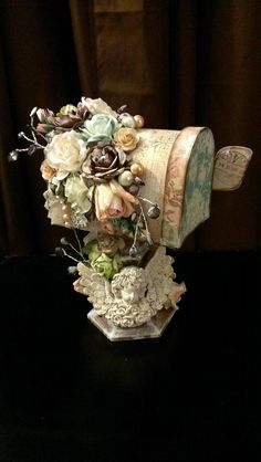 Kitty'sScrapPost: Vintage Style Mailbox on stand Vintage Beauty, Vintage Fashion, Vintage Style, Altered Boxes, Altered Art, Paper Art Projects, Paper Crafts, Vintage Mailbox, Vintage Crafts