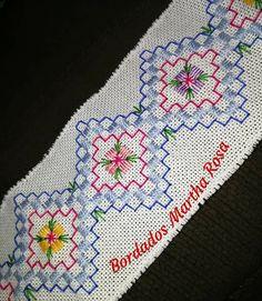 Hardanger Embroidery, Diy Embroidery, Embroidery Stitches, Embroidery Patterns, Cross Stitch Patterns, Swedish Weaving, Different Stitches, Bargello, Blackwork