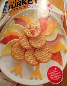 Thanksgiving snack: turkey made of lunch meats, cheese and crackers; Thanksgiving Snacks, Fall Snacks, Holiday Snacks, Thanksgiving Decorations, Holiday Recipes, Kid Snacks, Thanksgiving Turkey, Favorite Holiday, Kids Meals