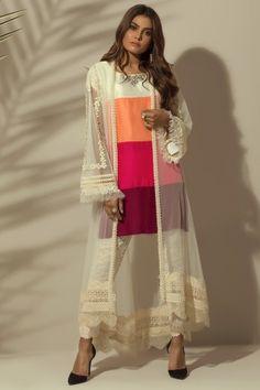 Beautiful Pakistani Dresses, Pakistani Dresses Casual, Pakistani Bridal Dresses, Pakistani Dress Design, Pakistani Fashion Party Wear, Indian Fashion Dresses, Indian Designer Outfits, Stylish Dress Book, Stylish Dresses For Girls