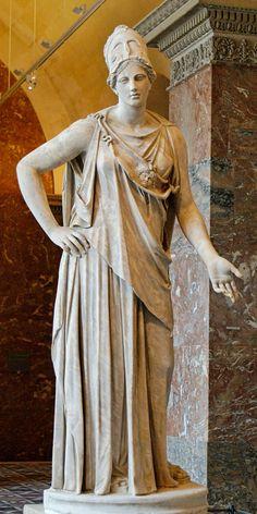 Mattei Athena, século I a.C./d.C. Escultura em mármore, cópia romana de um original grego, atribuída a Cephisodotos ou Euphranor, Museu do Louvre. Ascendência: cabeça de Zeus. Atena é a deusa da guerra, da civilização e da sabedoria.