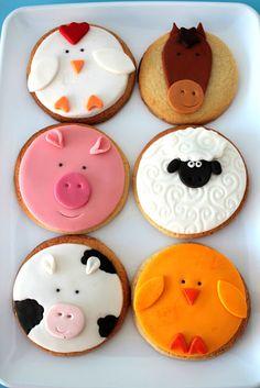 Blog sobre las galletas y tartas de Elvira, sus experimentos en la cocina y algunos consejos para decorar dulces. Farm Animal Party, Farm Animal Birthday, Barnyard Party, Farm Birthday, Farm Party, Kinder Party Snacks, Snacks Für Party, Farm Cake, Animal Cupcakes