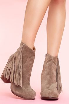 Jeffery Campbell Fringe