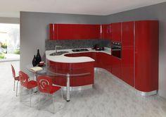 ODESSA – moderna kuhinja sa velikim mogučnostima slaganja elemenata. Karakteristična je po elementima zaobljenih linija. Vratnice kuhinje izrađene su od mediapana, a nude se u jako širokoj paleti boja.