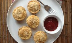 These mini meat pies are delicious, and great to make in advance for lunches and dinners throughout the week.