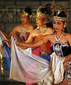 maharlikan culture As a result, this has a significant influences and changes in the filipino culture,  including a push for religious conservatism, an integration of church and state,.
