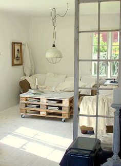 Room divider - love the pallet coffee table too
