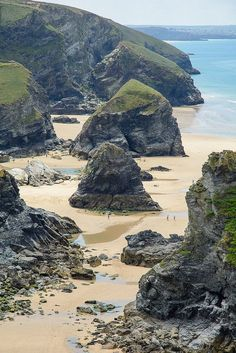 Bedruthan Steps Beach in Cornwall. Een must see tijdens een roadtrip door Engeland.
