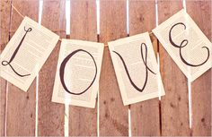 Pretty idea. Mine is not so rustic, but maybe I could make the banner out of the shiny paper from the invitations...