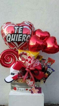 Valentines Dyi, Valentines Balloons, Valentine Bouquet, Valentine Day Crafts, Gift Bouquet, Candy Bouquet, Balloon Bouquet, Baby Shower Crafts, Balloon Gift